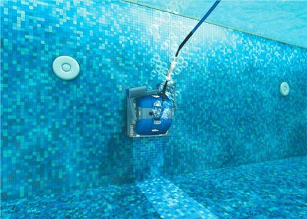 wall-climbing robotic pool cleaner